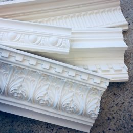 Ceiling cornices with ornaments